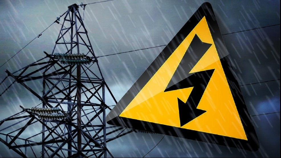 Lineman dies while working to restore power in Beaver County
