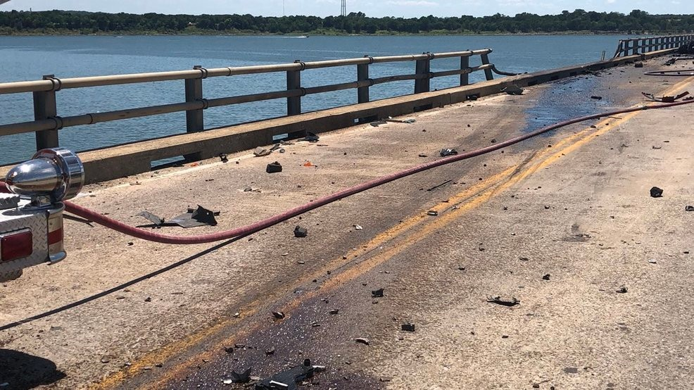 Crews work to recover truck, driver after Lake Texoma crash