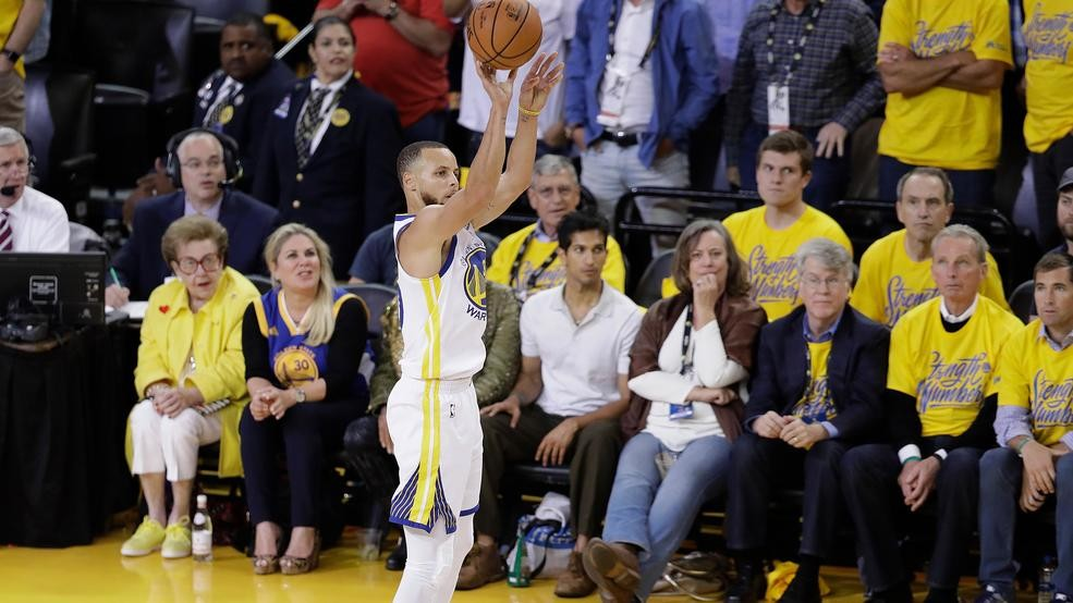4b67aa0c930a Golden State Warriors guard Stephen Curry shoots a 3-point basket against  the Cleveland Cavaliers during the first half of Game 1 of basketball s NBA  Finals ...
